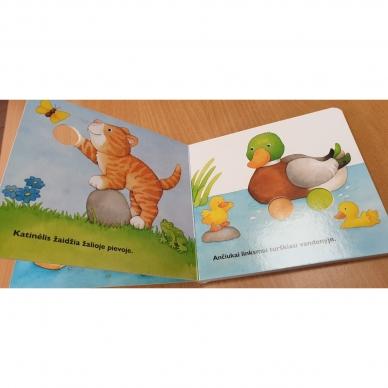 Daug linksmų gyvūnų. Pirmoji pirštukų žaidimų knyga 6
