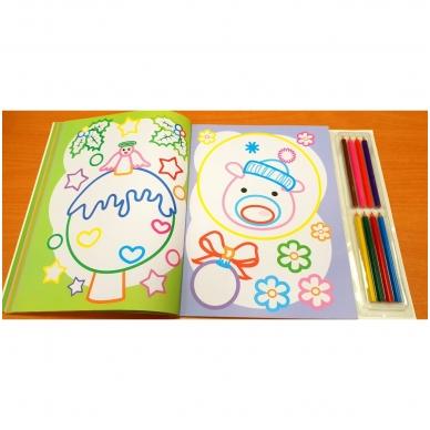 Kalėdinė spalvinimo knyga su 8 spalvotais pieštukais 3-5 metų vaikams (SU DEFEKTAIS) 6