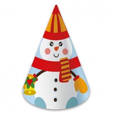 Kalėdinė staigmena. 3-4 metų vaikams. 4 knygelės (3 užduočių ir 1 lipdukų), 250 lipdukų, 6 spalvoti pieštukai, 3 kalėdiniai žaisliukai 5
