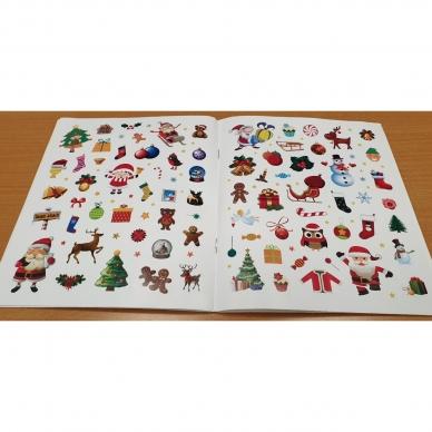 Kalėdinis rinkinys. 2 spalvinimo knygelės, užduotėlių knygelė, 250 lipdukų knygelė ir 6 spalvoti pieštukai (RAUDONAS) 5
