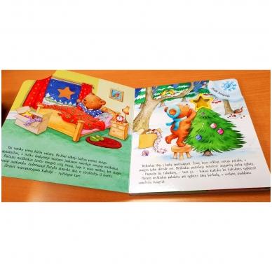 Mažojo meškiuko Kalėdos (kerintys garsai, šviečiantys žibintai, kalėdinė melodija) 6