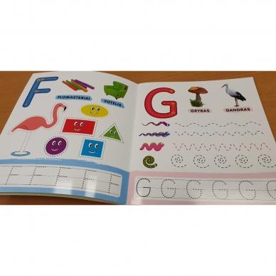 Rašau raides. 4-5 metų vaikams. Nutrynęs vėl rašyk. Su flomasteriu 5