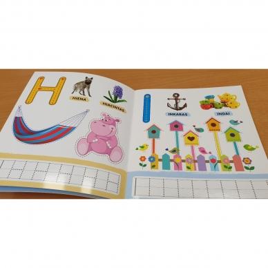 Rašau raides. 4-5 metų vaikams. Nutrynęs vėl rašyk. Su flomasteriu 8