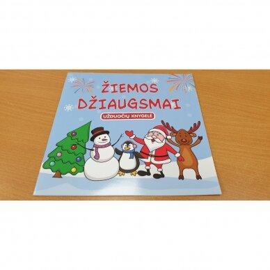 Valio! Kalėdos! 4-5 metų vaikams. 4 knygelės (3 užduočių ir 1 lipdukų), 250 lipdukų, 6 spalvoti pieštukai, 3 kalėdiniai žaisliukai 6